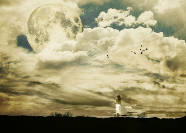 Yellow Moon – Conceptual Photography by Jimmy Bui