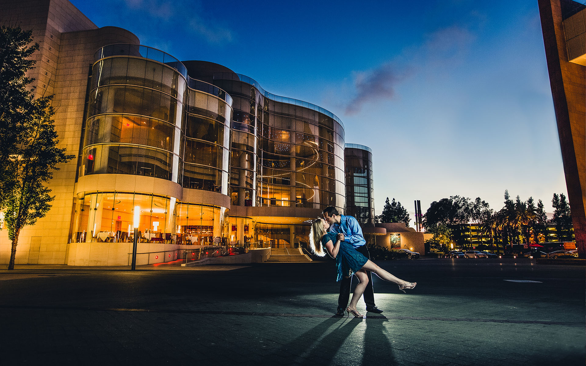 engaged couple dip at segerstrom center costa mesa
